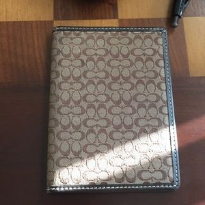 COACH PASSPORT HOLDER/Authentic